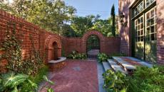 Cour intérieure petite de résidence luxueuse