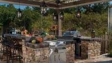 cuisine d'été rustique pierre jardin belle demeure maison