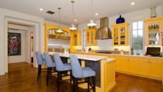 maison familiale cuisine déco ensoleillée