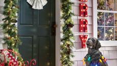 décorer la porte d'entrée jardin maison pour Noël