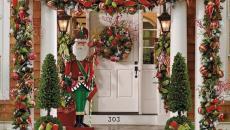 décoration de Noël classique extérieur porte entrée