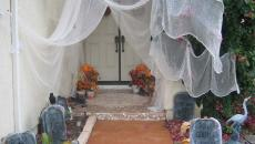 maison décoration Halloween toiles d'araignées