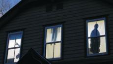 Décoration Halloween 2014 silouhettes sorcières fenêtre pendus