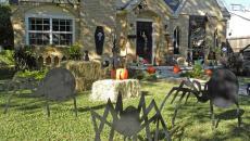 décoration créative de jardin maison Halloween