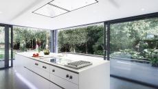 grande claire cuisine décoration réglette en LED
