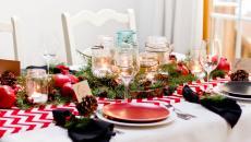 belle table festive pour accueillir à la maison