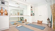 pièce de yoga méditation à la maison