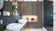 salle de bain moderne avec touche rustique