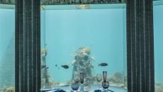 Cadre aquatique restaurant de luxe Maldives Subsix