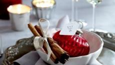 belle table de Noël en rouge et blanc