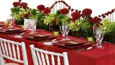 jolie table pour Noël en rouge et blanc