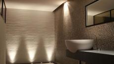 éclairage spots baignoire salle de bains luxe