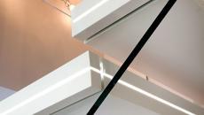 escalier design marbre blanc lumineux original