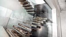 escalier d'intérieur marbre foncé créatif