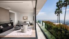 Maison construite en hauteur avec vue panoramique exotique