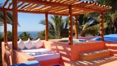 terrasse pergola sur la plage