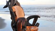 fauteuil au design rustre rustique bois