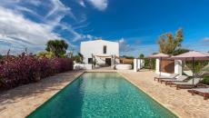 grande terrasse piscine maison de vacances hamac