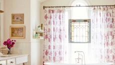 jolie baignoire de couleur salle de bain moderne