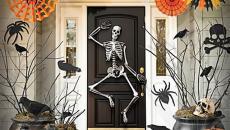 Décoration originale Halloween porte d'entrée