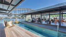 restaurant tapas bassin hôtel bateau sur Seine