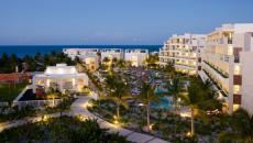 Hôtel boutique Cancun Mexique vue de nuit éclairée