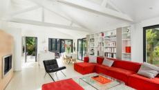 Déco design intérieure en blanc et rouge