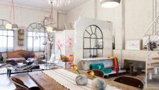le séjour loft industriel depuis la cuisine