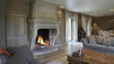 intérieur design classe gris cheminée d'antan