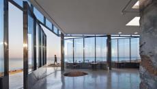 intérieur en béton ciré spacieux et design