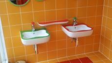 orange et rouge couleurs salle de bain enfant