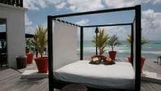 beau lit carré jardin lit extérieur terrasse exotique