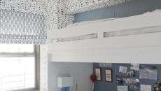 chambre déco bleu et blanc au lit mezzanine