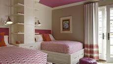 lits jumeaux chambre décorée tissus