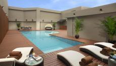 belle terrasse sur toit avec piscine