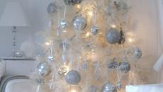 arbre de Noël décoré en blanc fêtes