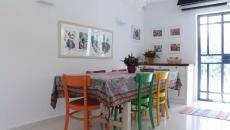salle à manger rustique chaises dépareillées