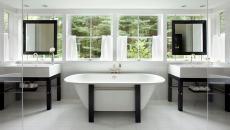 salle de bain blanche accents noirs déco