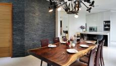 salle à manger bois chaises design table en bois brut