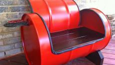 fauteuil sympa à partir de baril peint en rouge