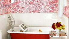 petite baignoire salle de bains rouge design coloré