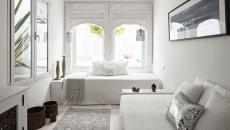 Petite chambre / salon à la déco en blanc