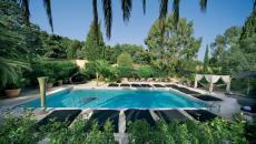 piscine extérieur chauffée hôtel de luxe