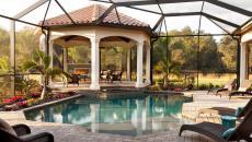 véranda vitrée piscine gazébo maison de luxe