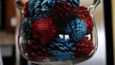 pommes de pin bombées couleurs déco festive