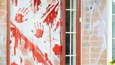 Décoration ensanglantée pour porte d'entrée halloween