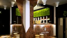 Le bureau de réception en bois hôtel éco