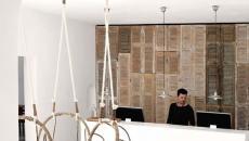 réception au design minimaliste hotel boutique grèce