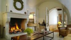 séjour antique rustique cheminée d'époque