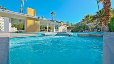 grande piscine outdoor maison de luxe